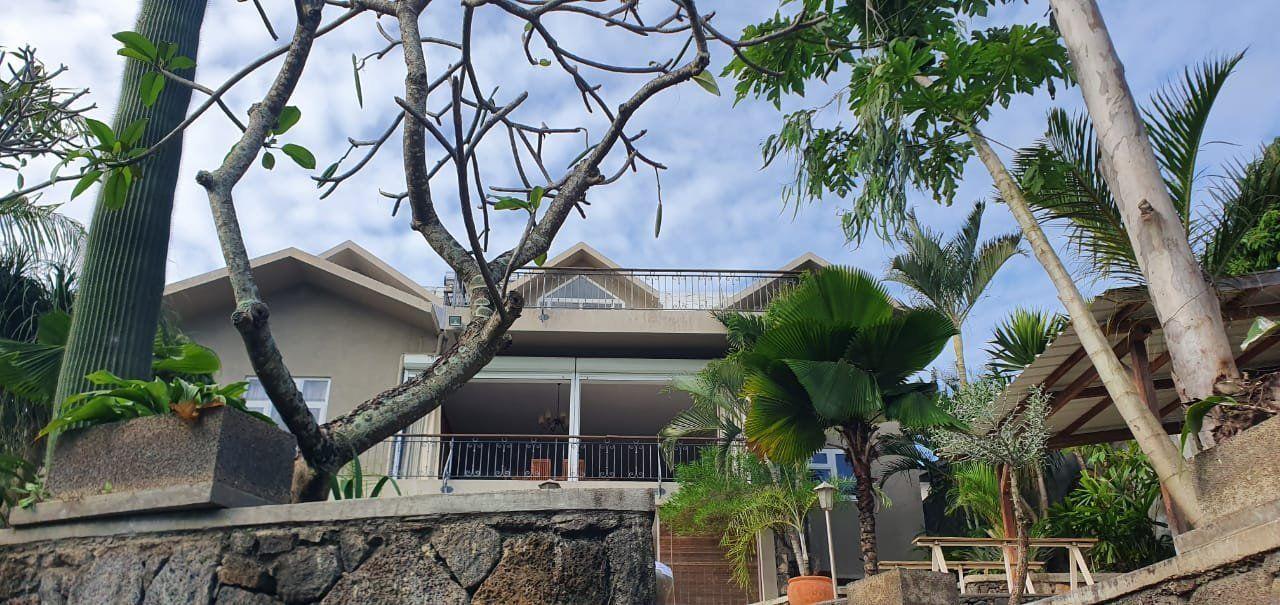 Maison à louer 5 275m2 à Ile Maurice vignette-1