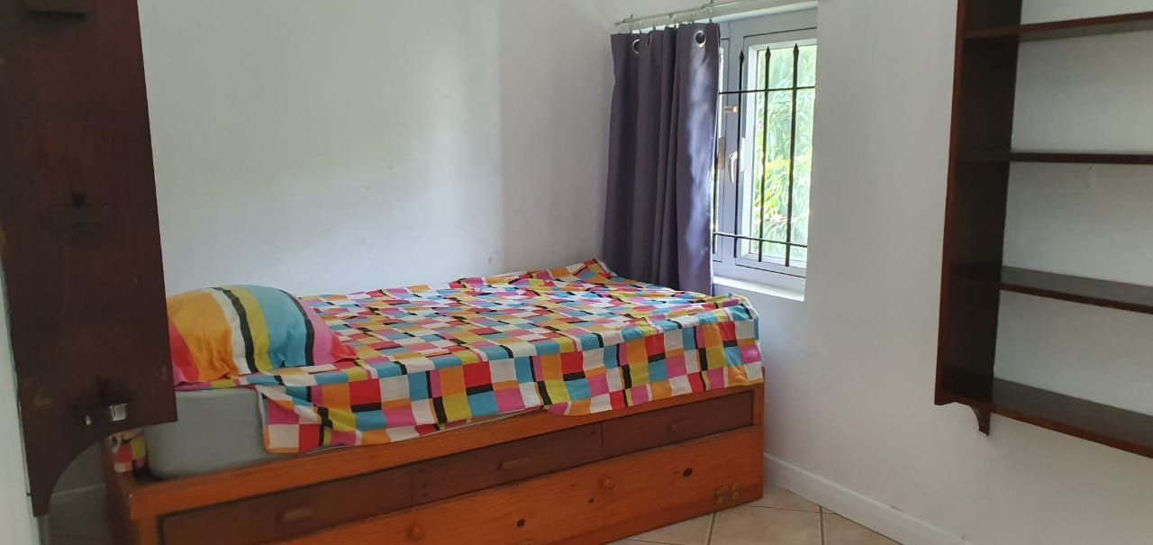 Maison à louer 5 275m2 à Ile Maurice vignette-8