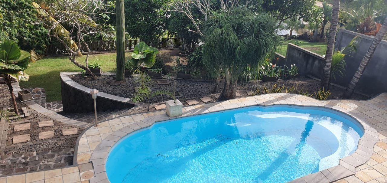 Maison à louer 5 275m2 à Ile Maurice vignette-3