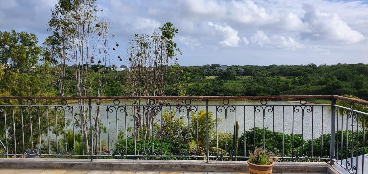 Maison à louer 5 275m2 à Ile Maurice vignette-4