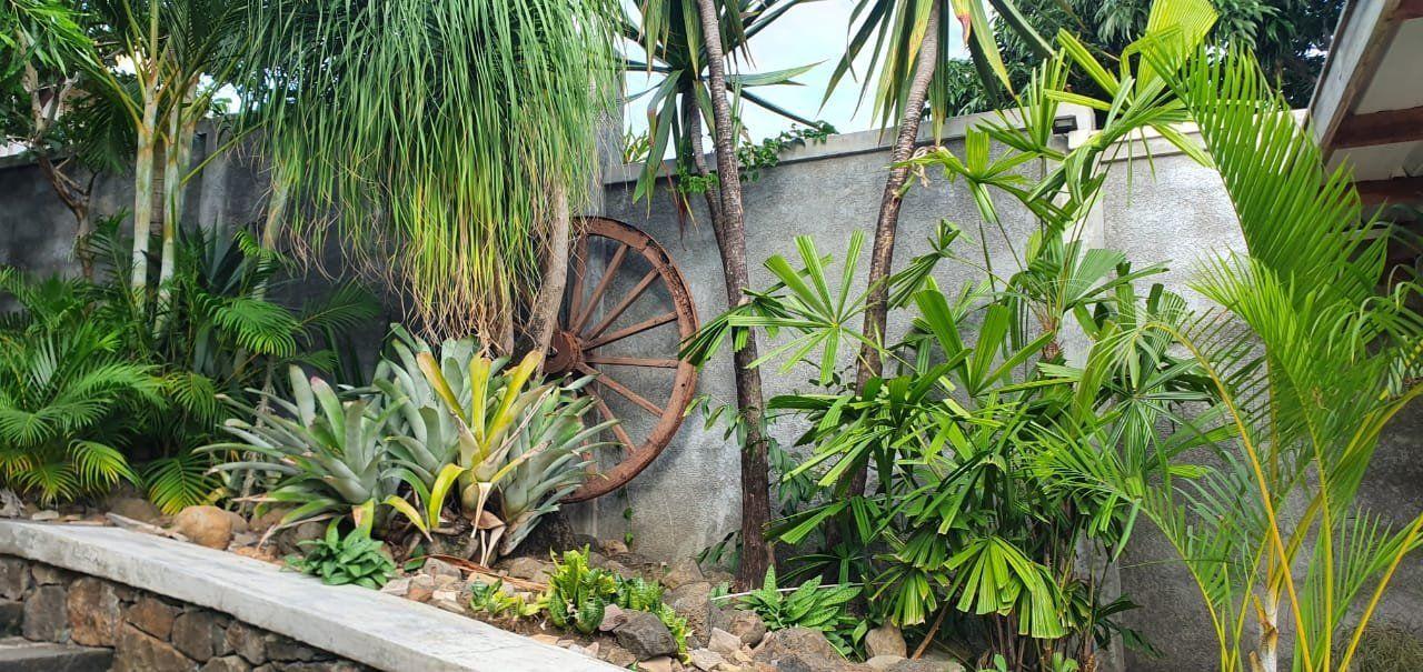 Maison à louer 5 275m2 à Ile Maurice vignette-15