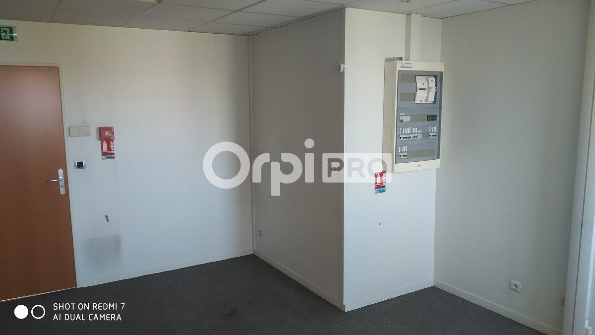 Bureau à louer 0 86.62m2 à Reims vignette-7