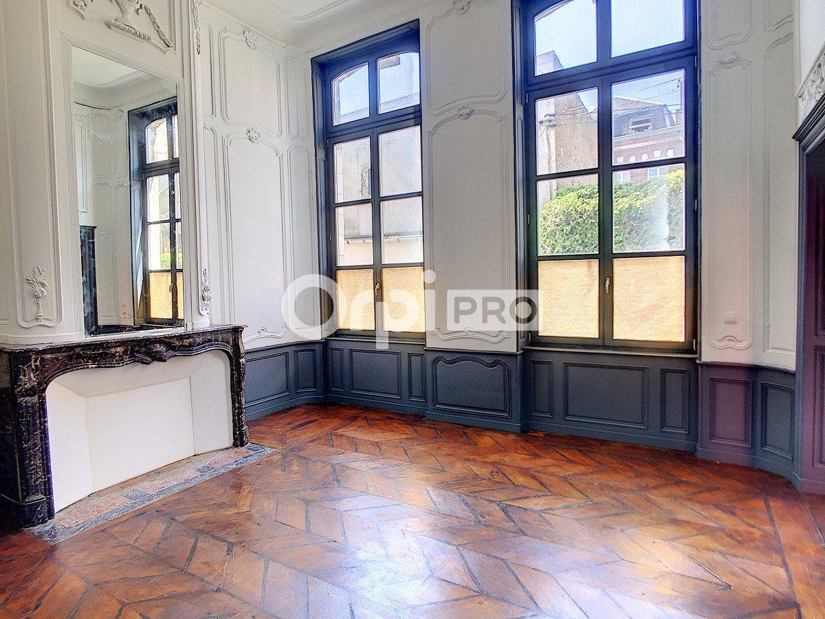 Bureau à louer 0 65m2 à Arras vignette-6