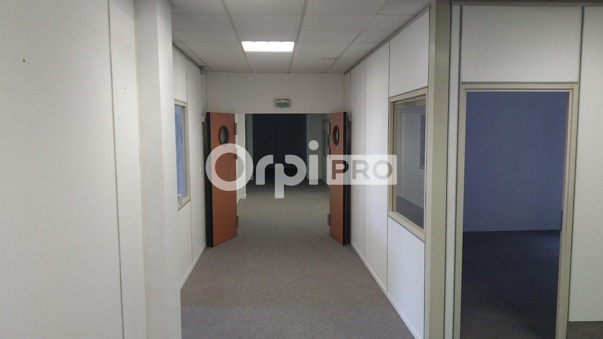 Bureau à louer 0 355m2 à Reims vignette-7