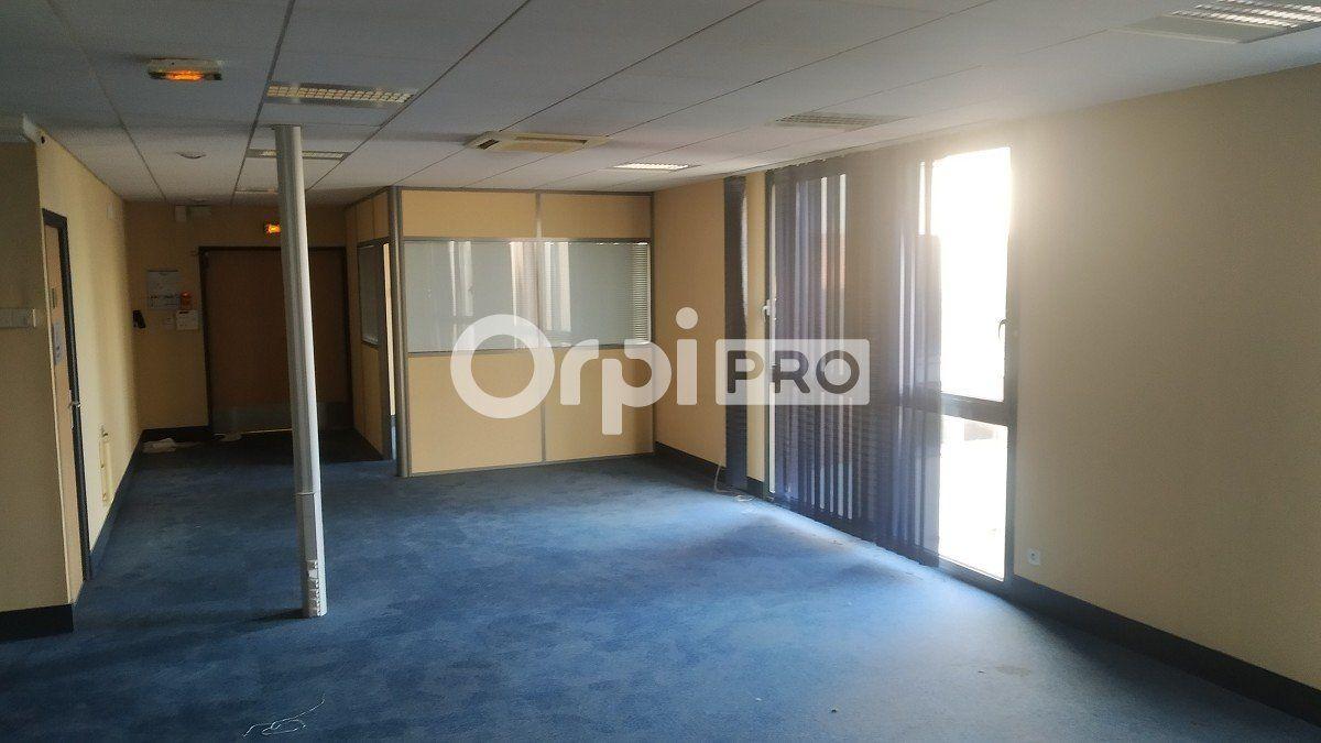 Bureau à louer 0 583m2 à Reims vignette-3