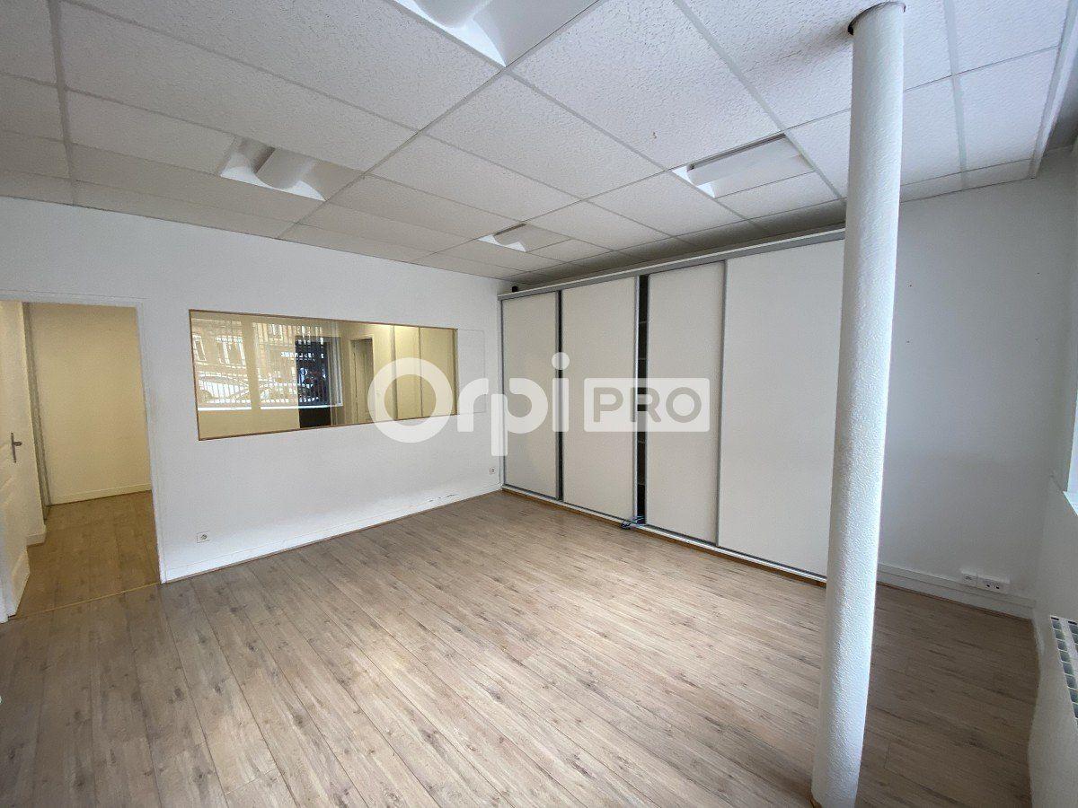 Bureaux à louer 0 63m2 à Le Havre vignette-2