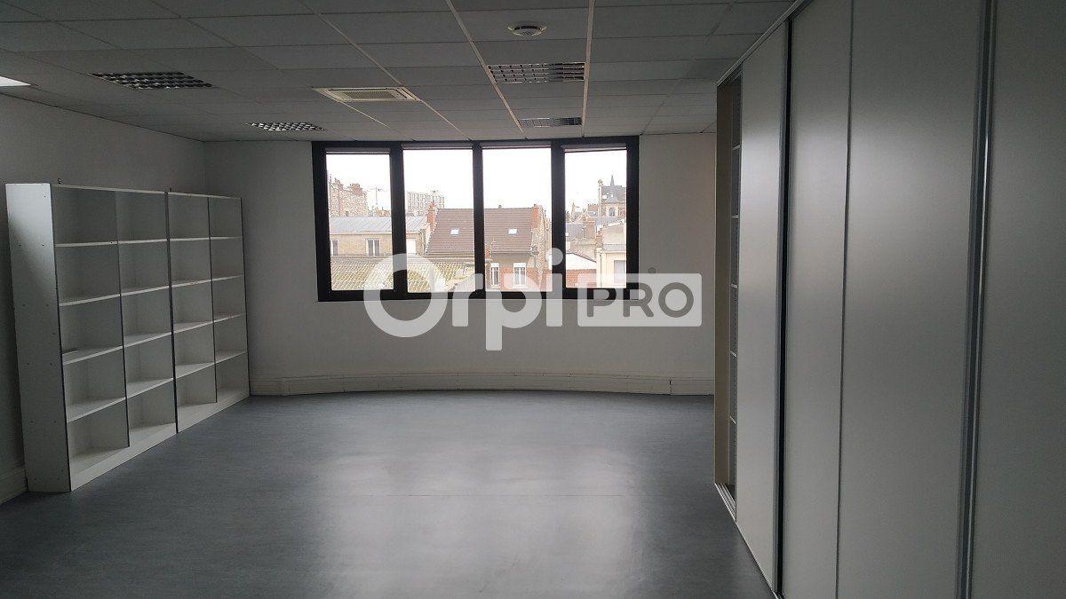 Bureau à louer 0 355m2 à Reims vignette-2