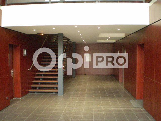 Bureau à louer 0 115m2 à Reims vignette-1