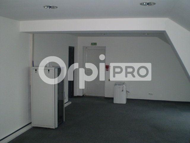 Bureau à louer 0 96m2 à Reims vignette-2