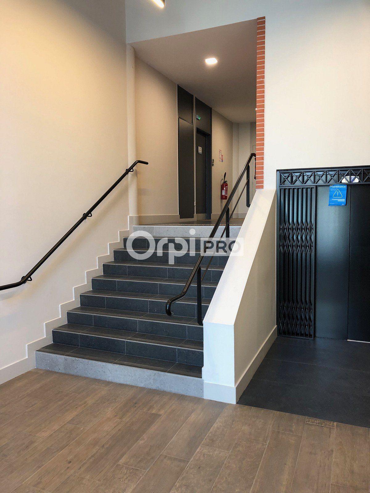 Bureau à louer 0 271.59m2 à Reims vignette-7