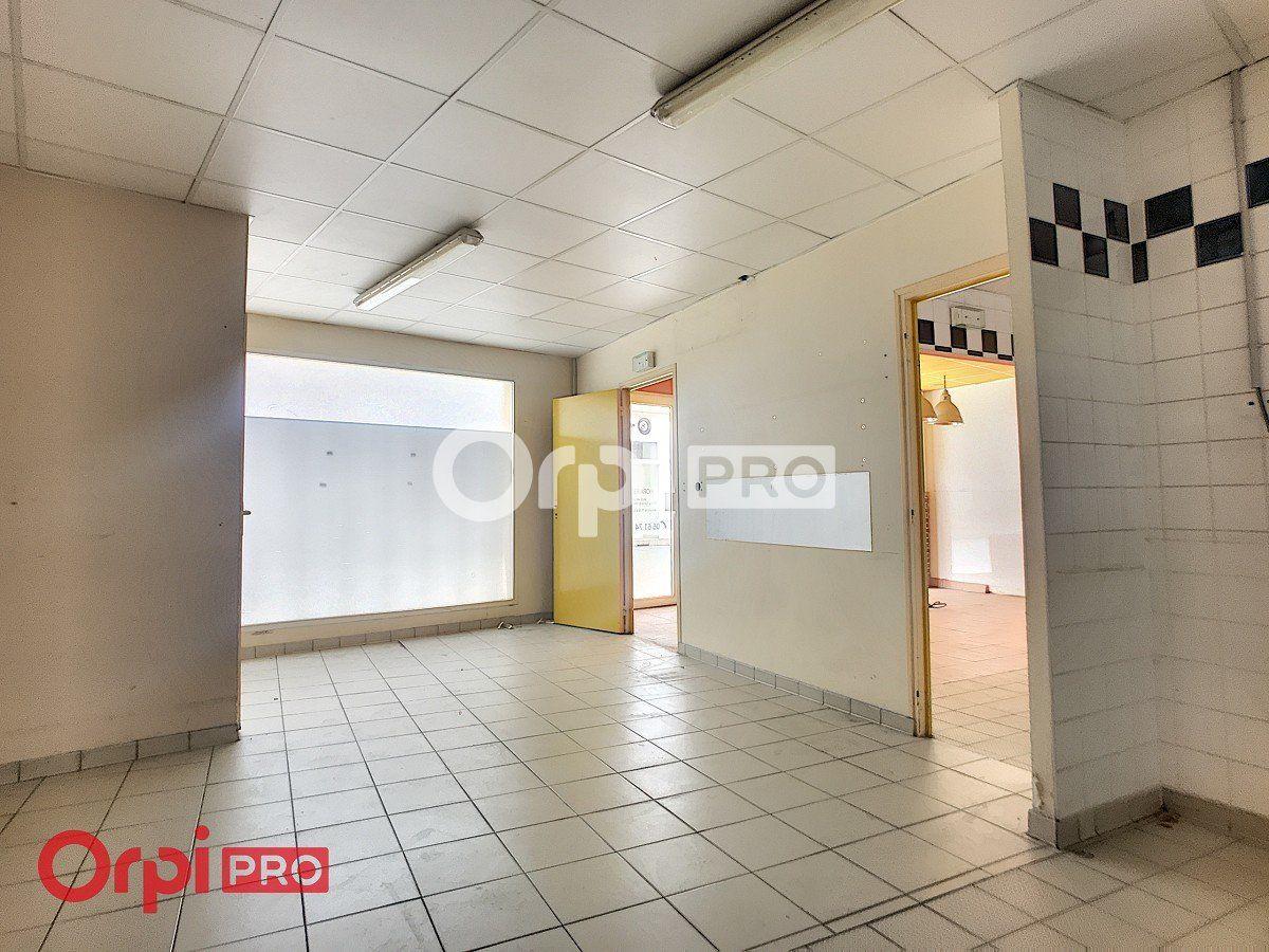 Local commercial à louer 0 80m2 à Montluçon vignette-6