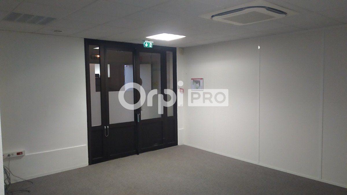 Bureau à louer 0 355m2 à Reims vignette-8