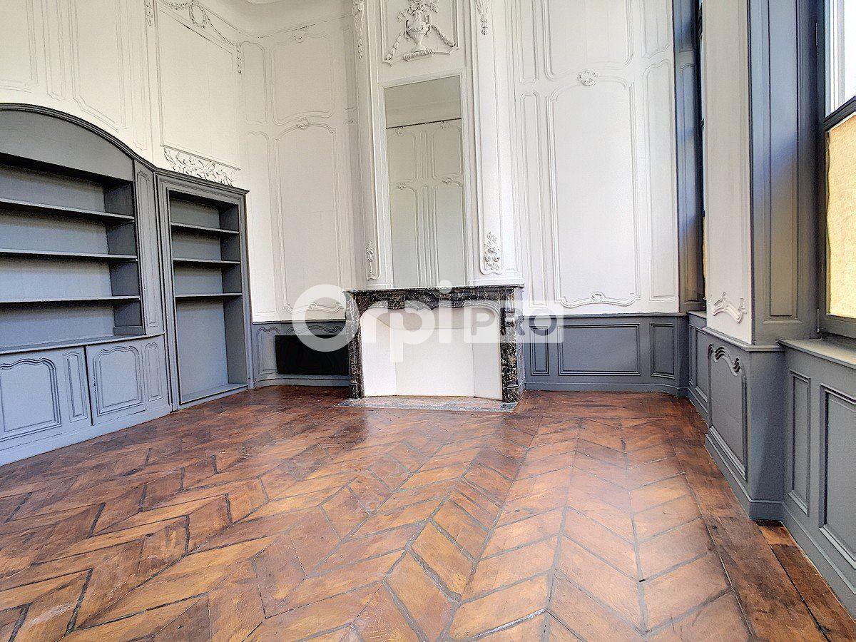 Bureau à louer 0 65m2 à Arras vignette-5
