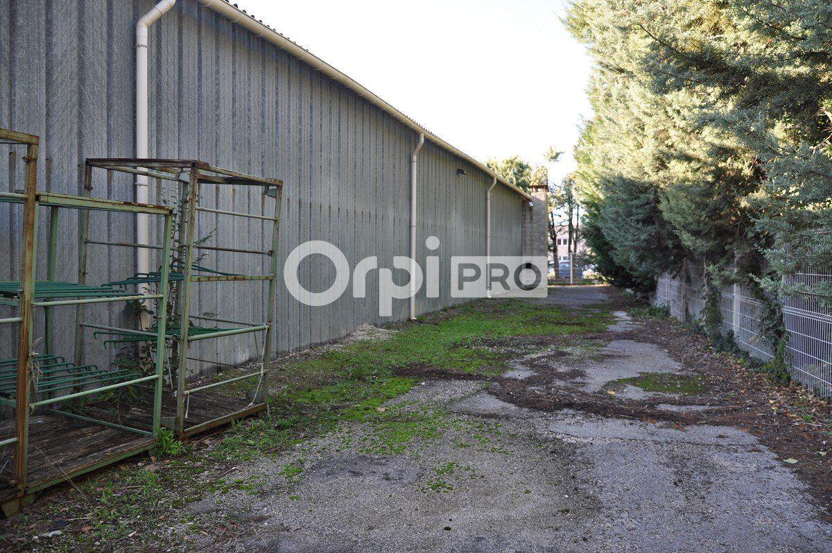 Entrepôt à louer 0 1765m2 à Aix-en-Provence vignette-6