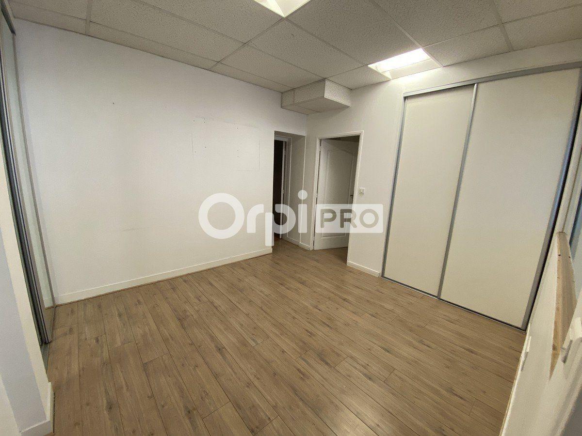 Bureaux à louer 0 63m2 à Le Havre vignette-3