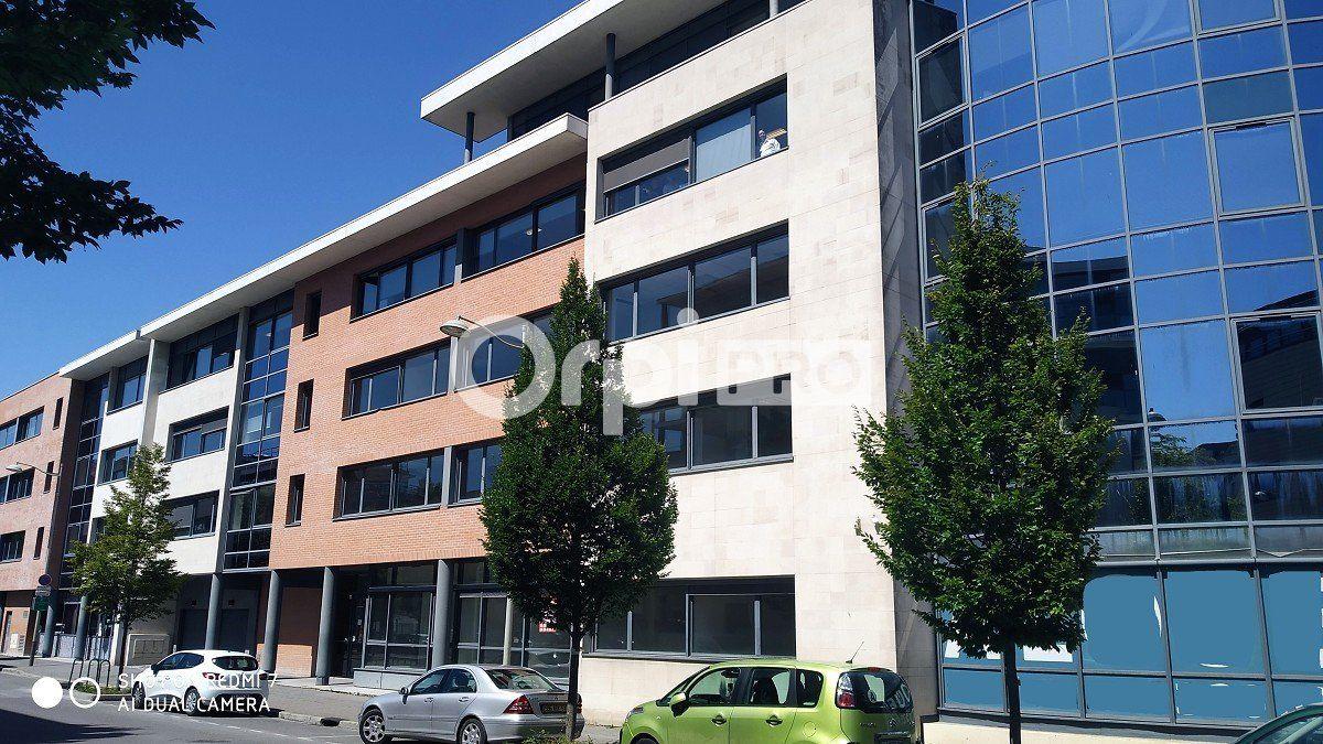 Bureau à louer 0 86.62m2 à Reims vignette-1