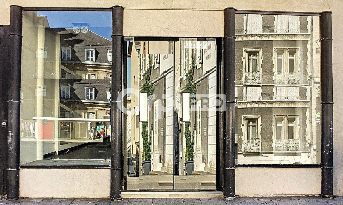 Local commercial à louer 0 271m2 à Montluçon vignette-2