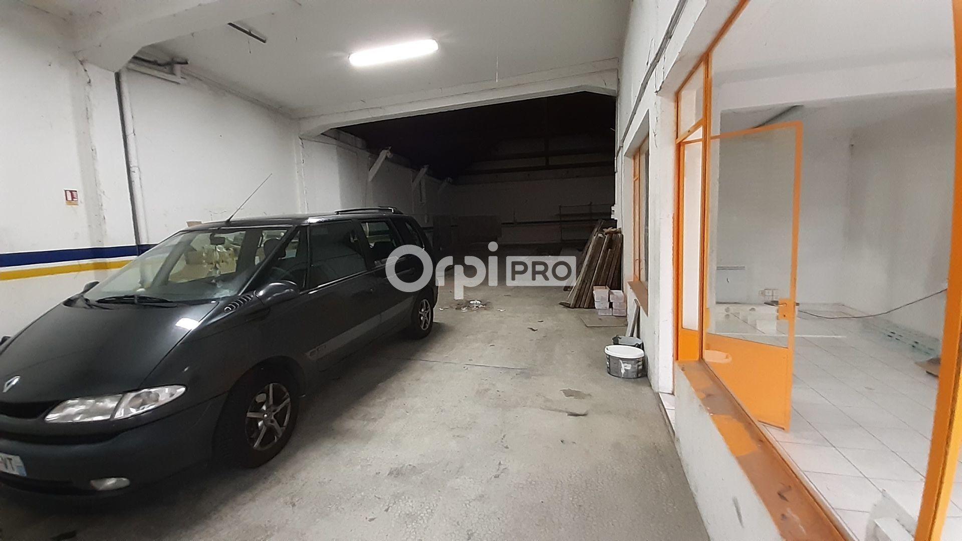 Local commercial à louer 0 370m2 à Montluçon vignette-3