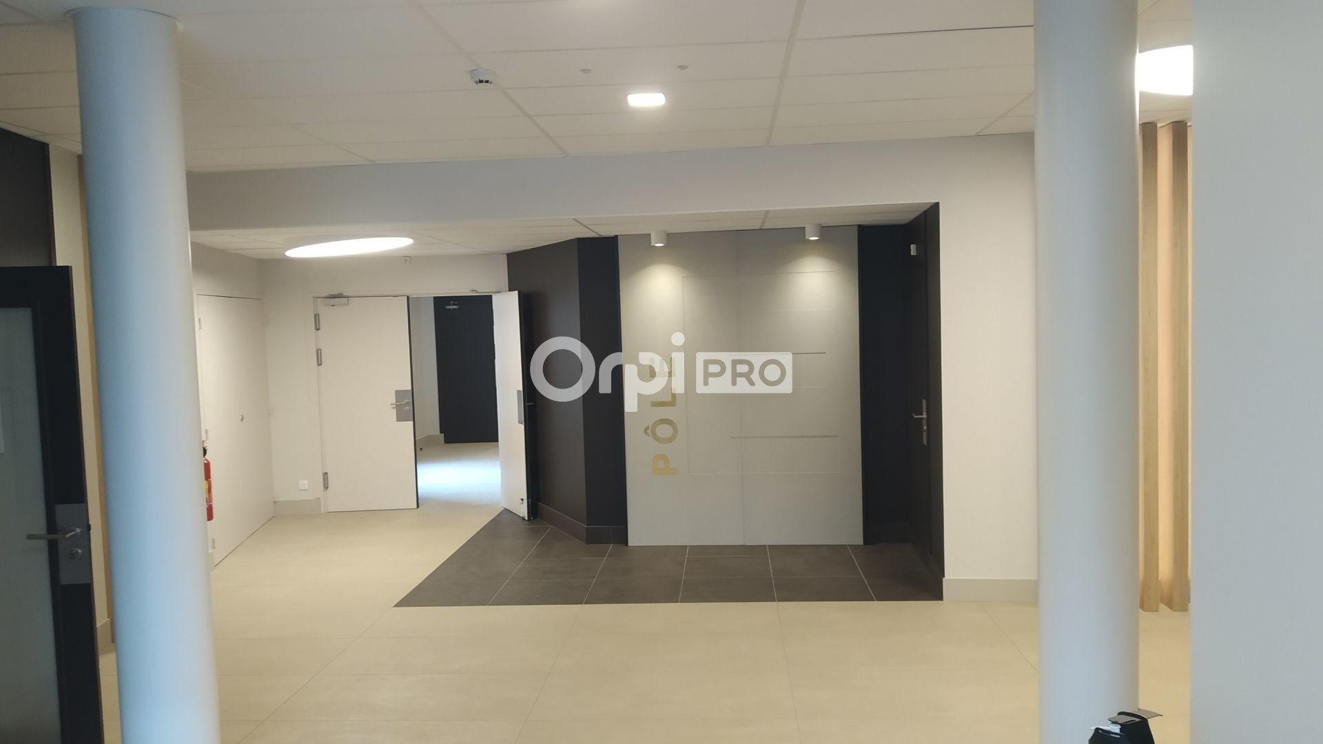 Bureau à louer 0 443m2 à Reims vignette-2