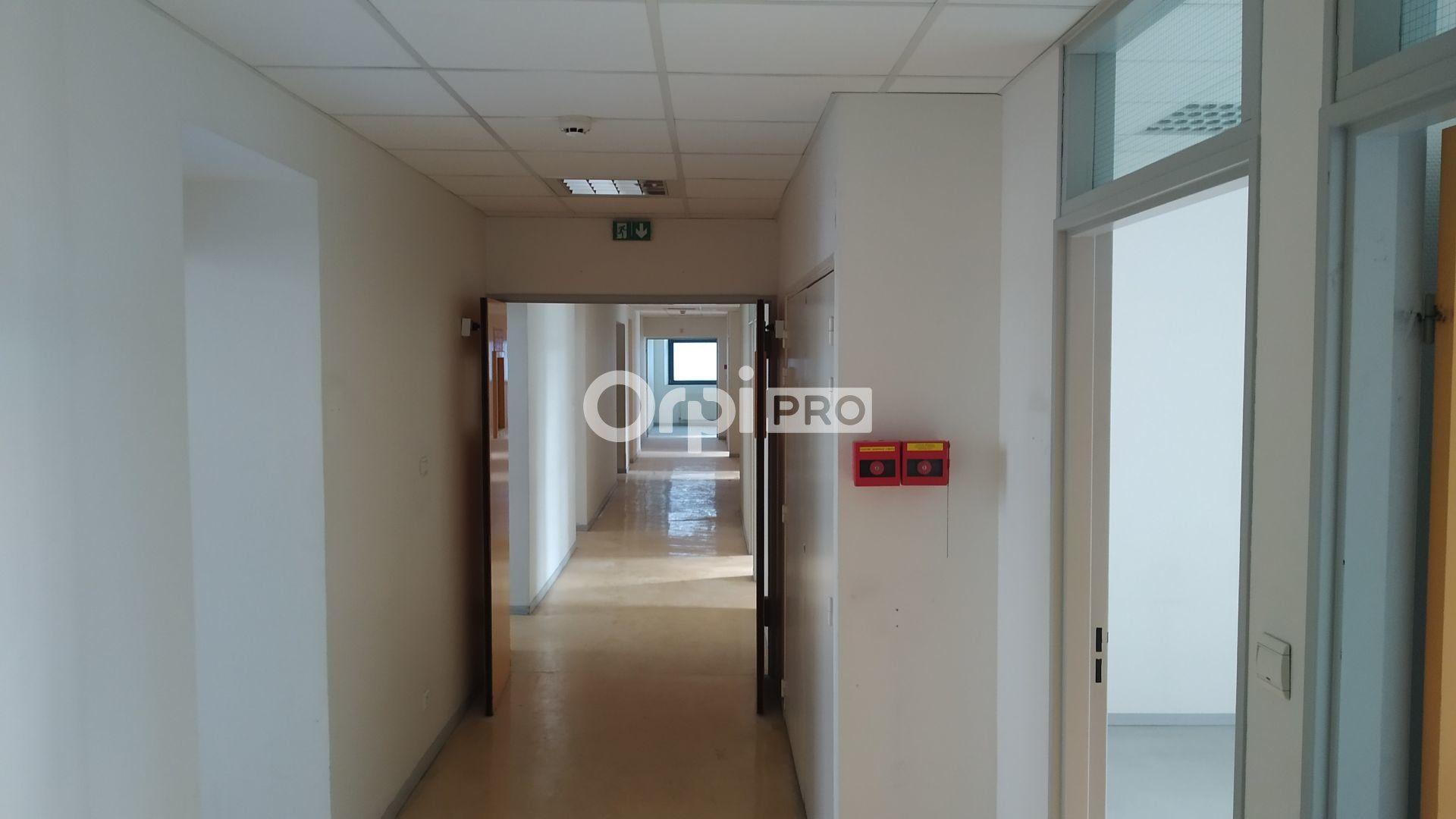 Bureau à louer 0 443m2 à Reims vignette-4