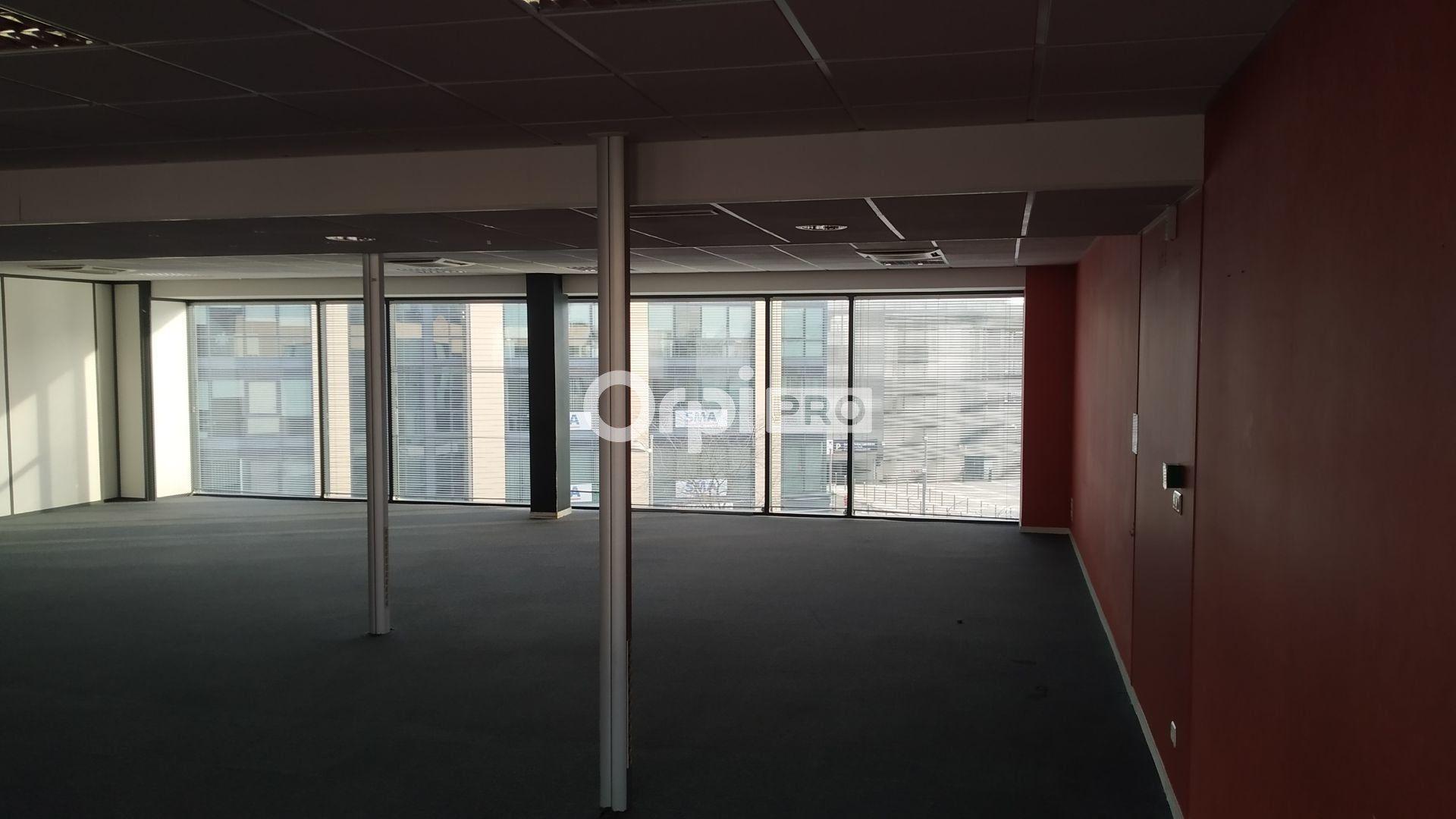 Bureau à louer 0 233m2 à Reims vignette-5