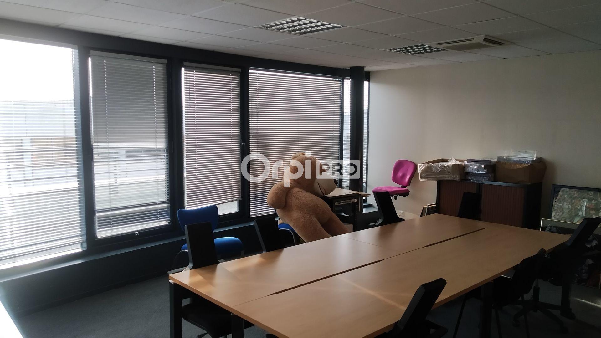 Bureau à louer 0 376m2 à Reims vignette-4