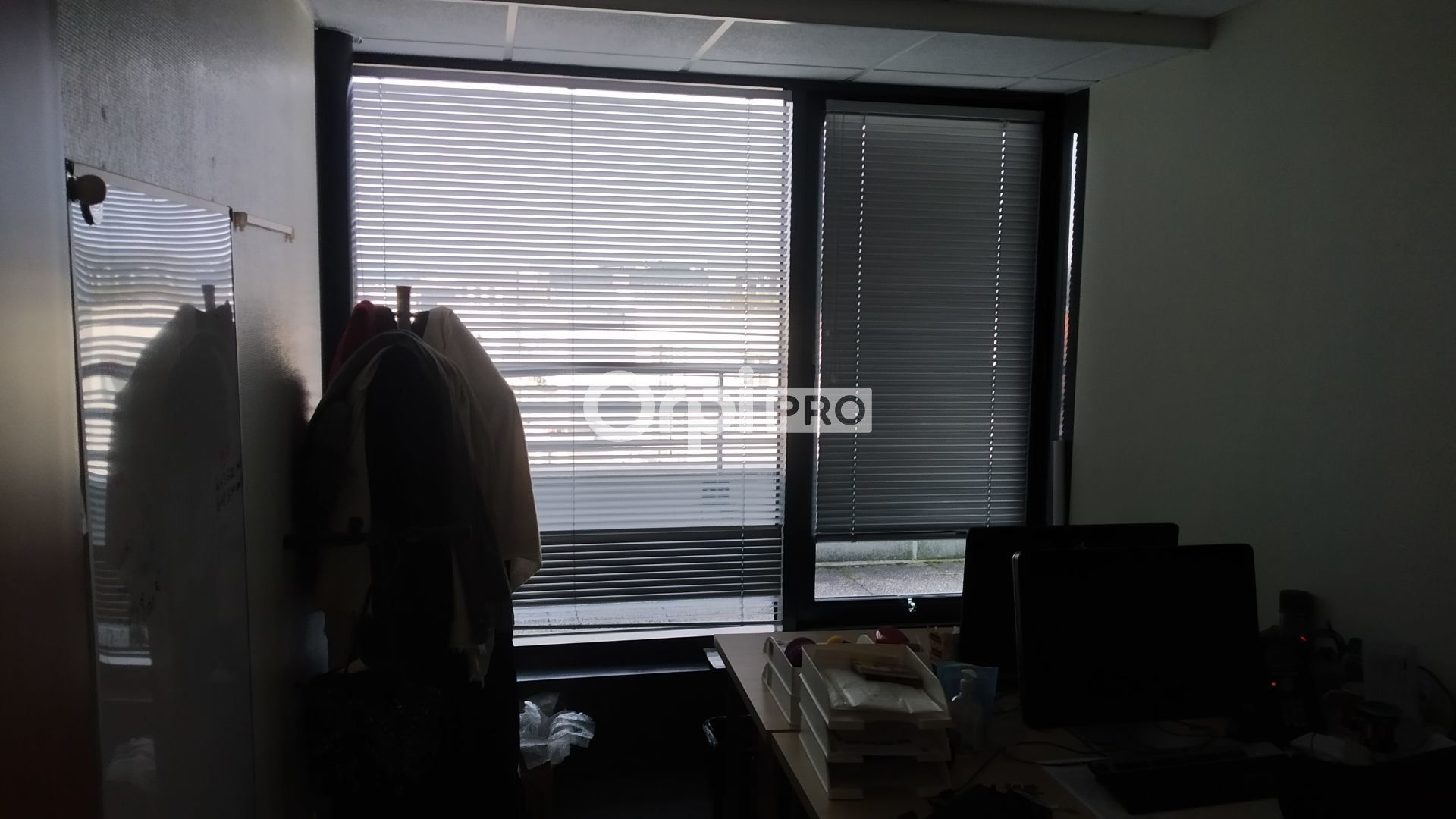 Bureau à louer 0 376m2 à Reims vignette-7