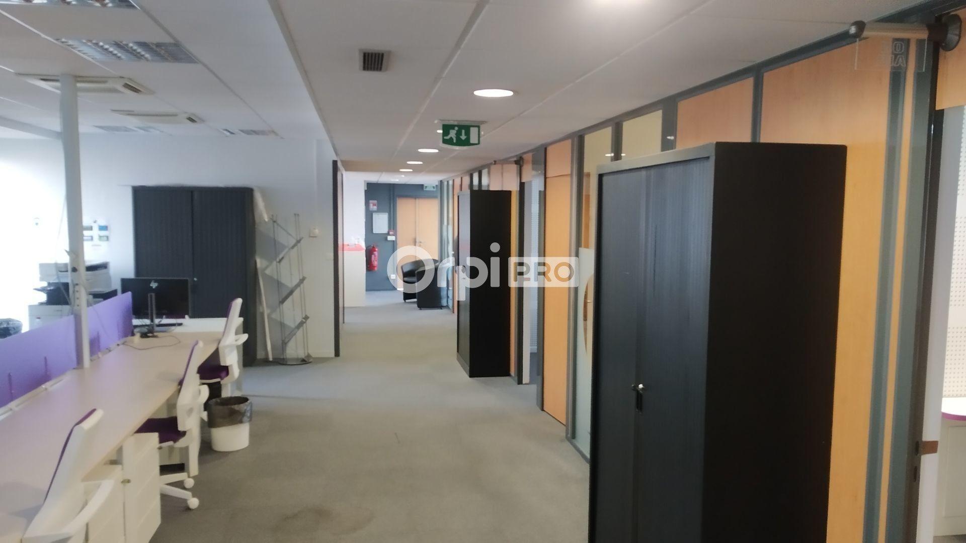 Bureau à louer 0 376m2 à Reims vignette-9