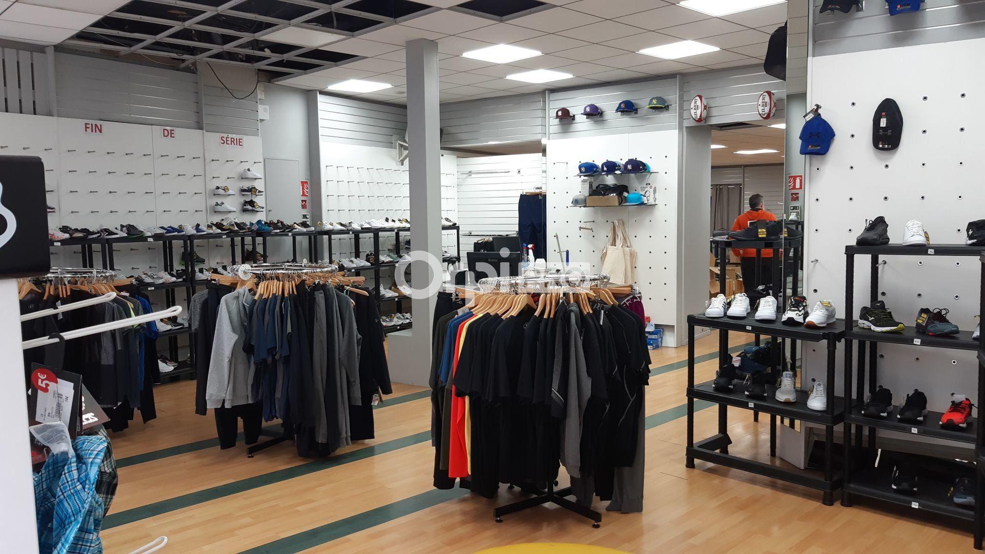 Local commercial à louer 0 220m2 à Montluçon vignette-3