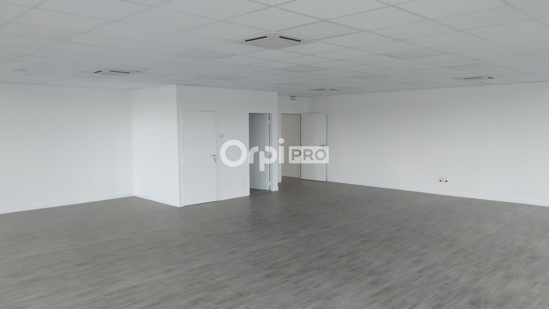 Bureau à louer 0 120m2 à Reims vignette-3