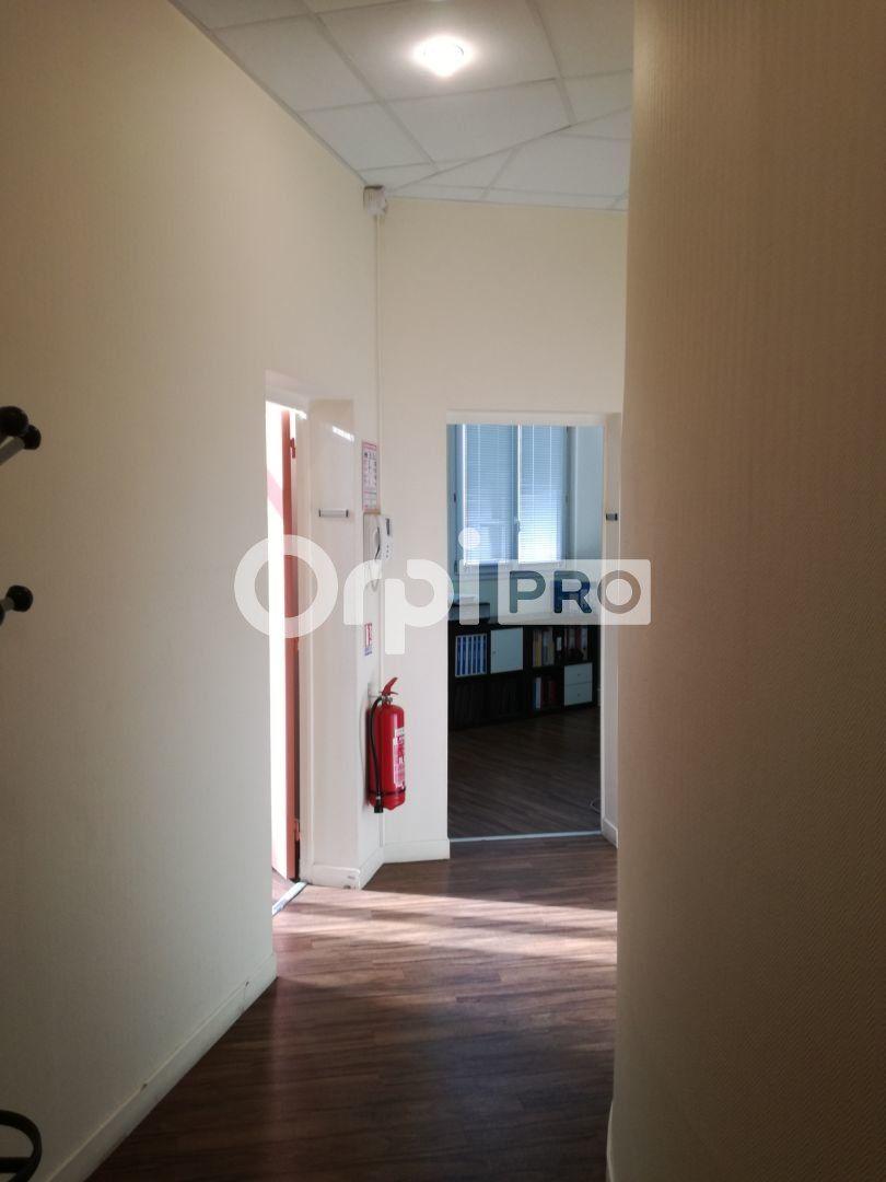 Bureau à louer 0 62m2 à Reims vignette-2