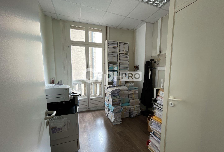 Bureau à louer 0 130m2 à Reims vignette-6