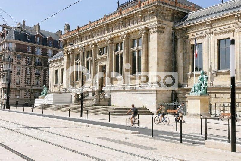 Bureau à vendre 0 650m2 à Le Havre vignette-2