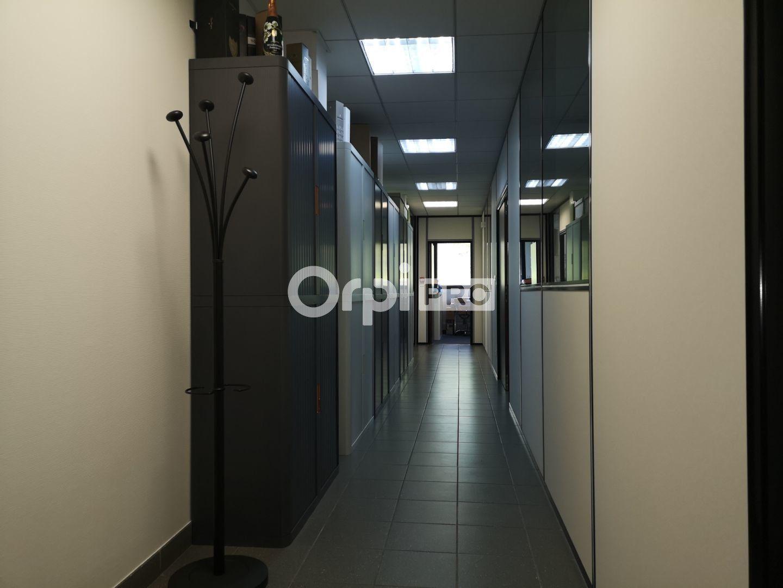 Bureau à louer 0 141m2 à Reims vignette-5