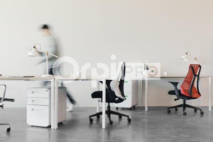 Bureau à louer 0 35m2 à Aix-en-Provence vignette-2