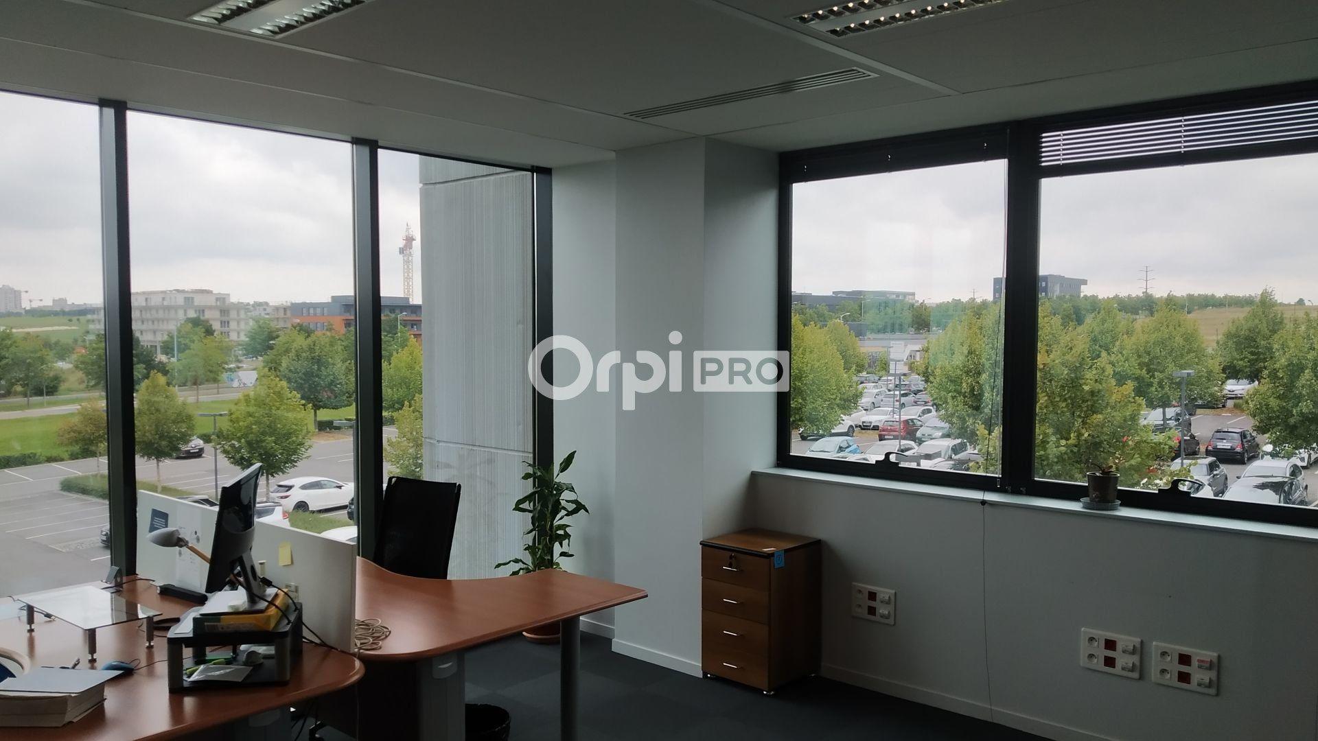 Bureau à louer 0 300m2 à Reims vignette-3