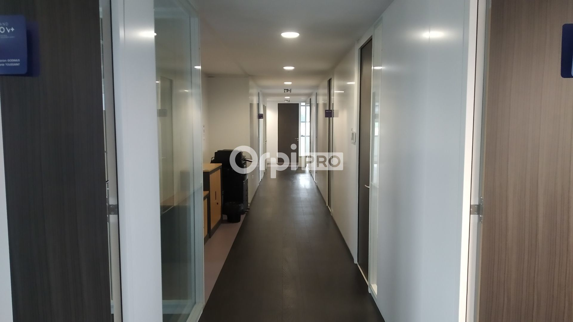 Bureau à louer 0 300m2 à Reims vignette-4