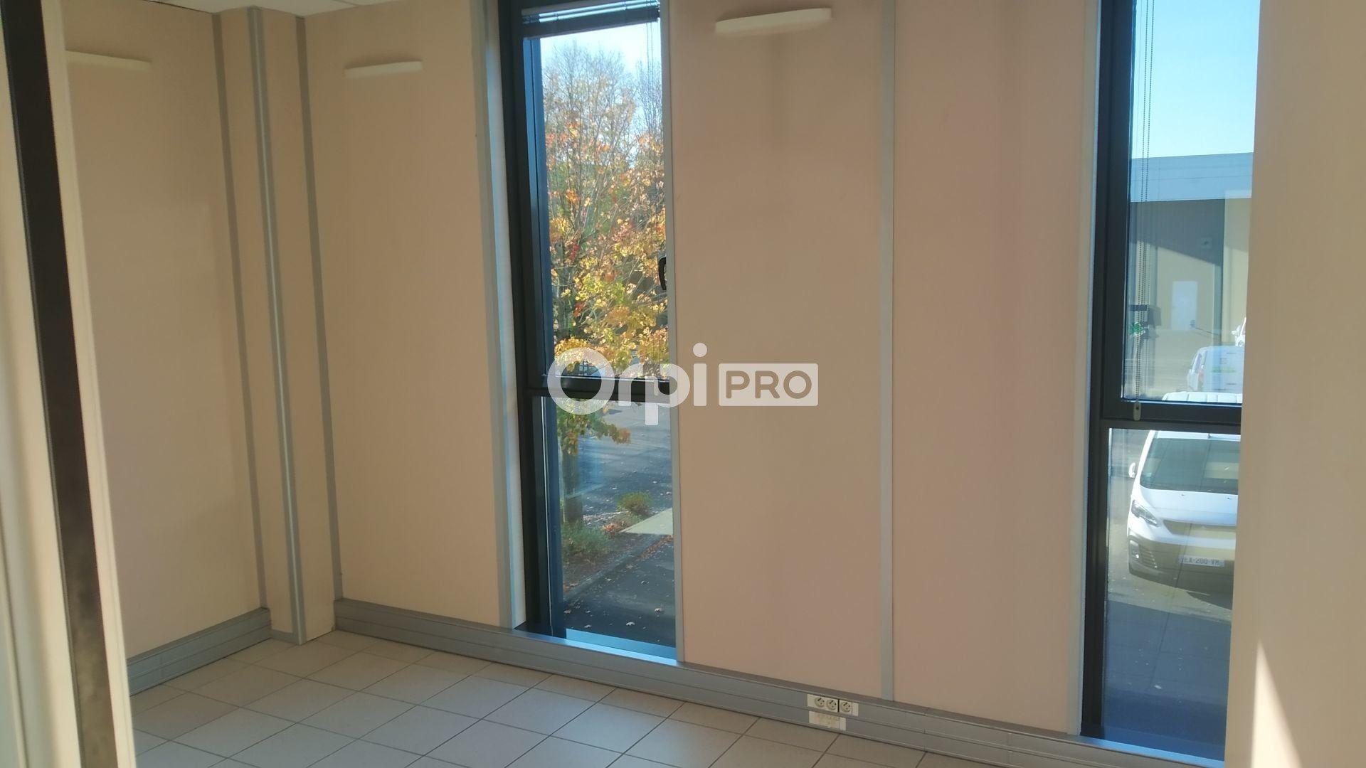 Bureau à louer 0 118m2 à Reims vignette-3