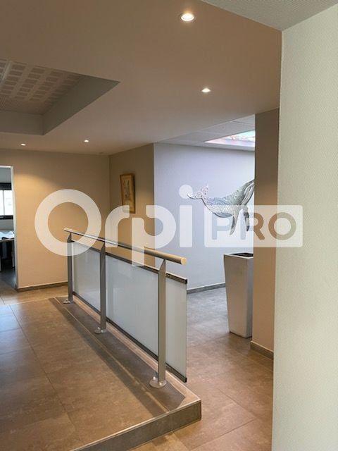 Bureau à vendre 0 186m2 à La Seyne-sur-Mer vignette-4