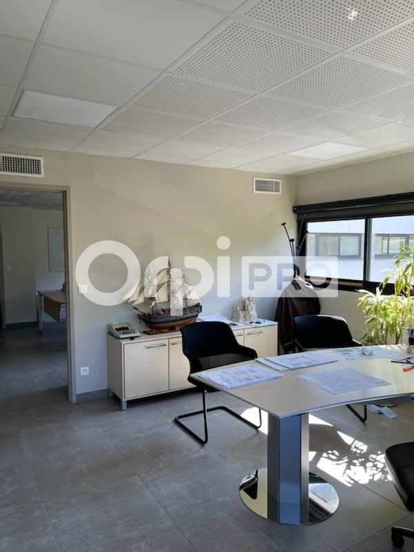 Bureau à vendre 0 186m2 à La Seyne-sur-Mer vignette-5