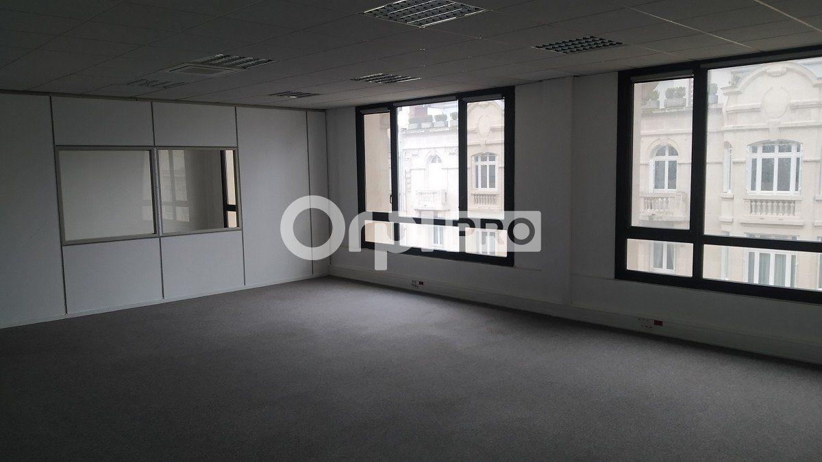 Bureau à louer 284m2 à Reims