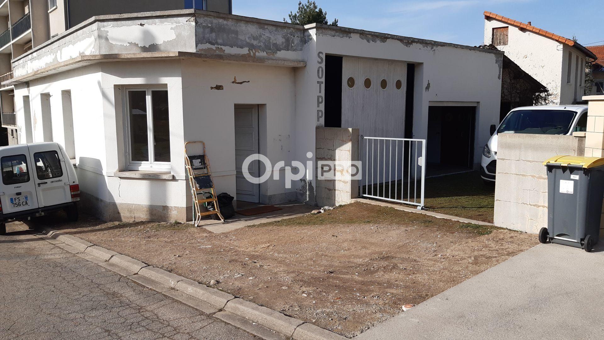 Bureau à louer 153m2 à Montluçon