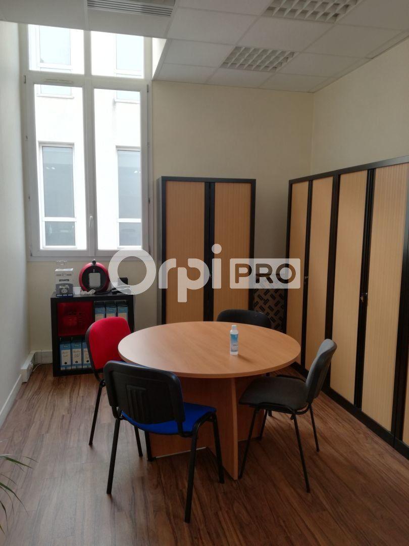 Bureau à louer 62m2 à Reims
