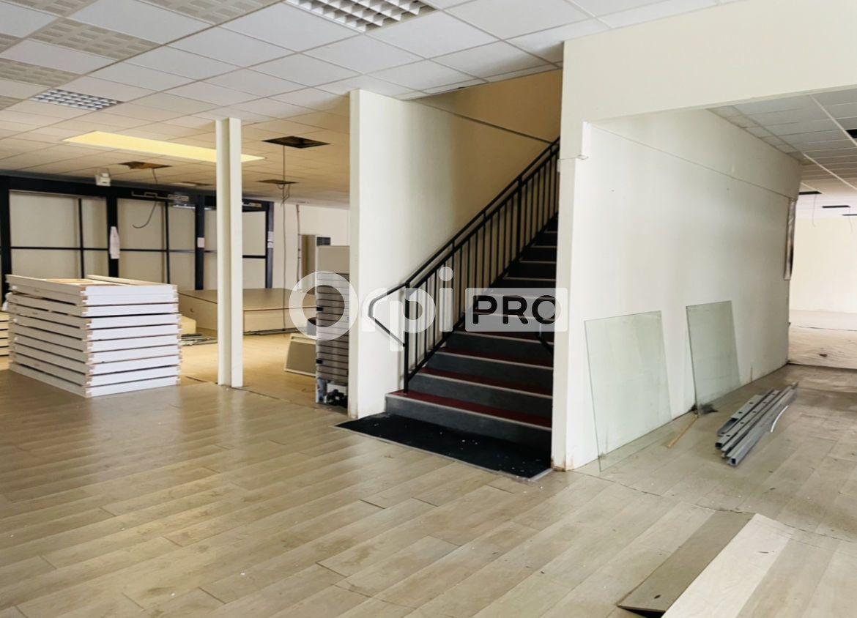 Local commercial à louer 1200m2 à Reims