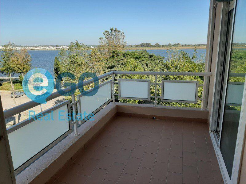Appartement à vendre 5 242m2 à Vila Real de Santo António vignette-2