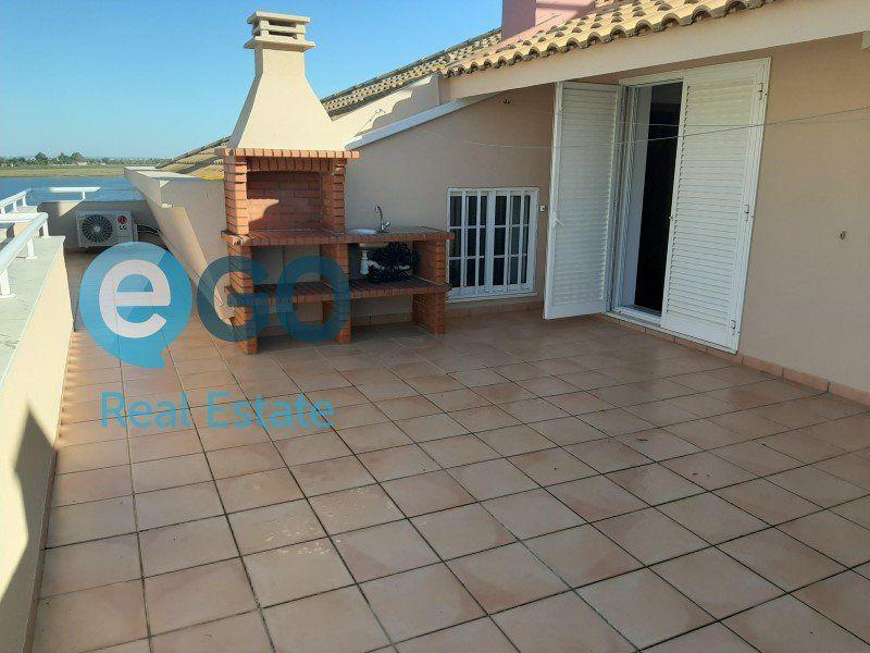 Appartement à vendre 5 242m2 à Vila Real de Santo António vignette-3