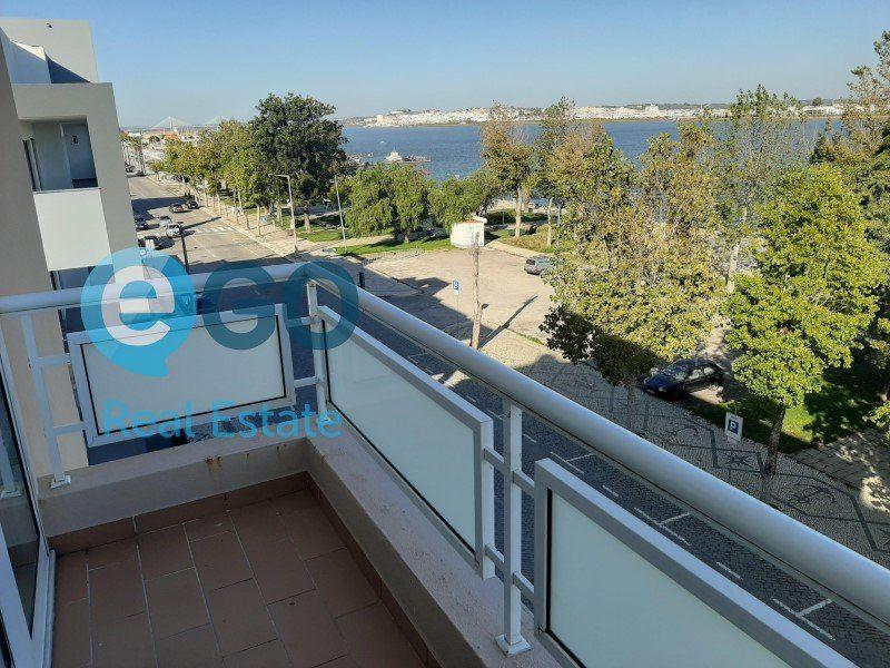 Appartement à vendre 5 242m2 à Vila Real de Santo António vignette-9