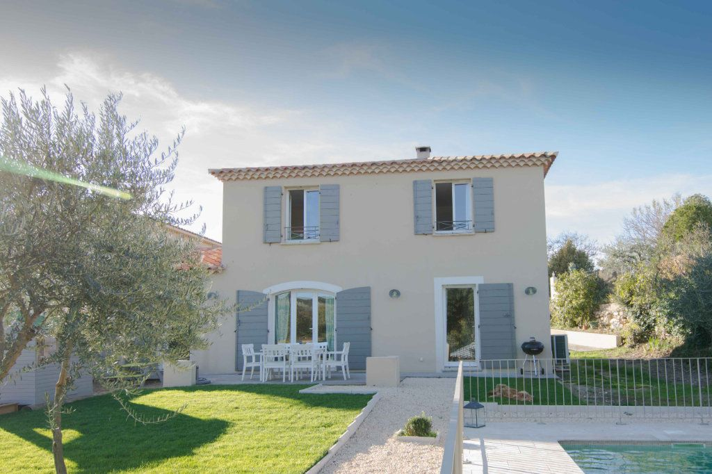 Maison à vendre 5 132m2 à Saint-Hilaire-d'Ozilhan vignette-1