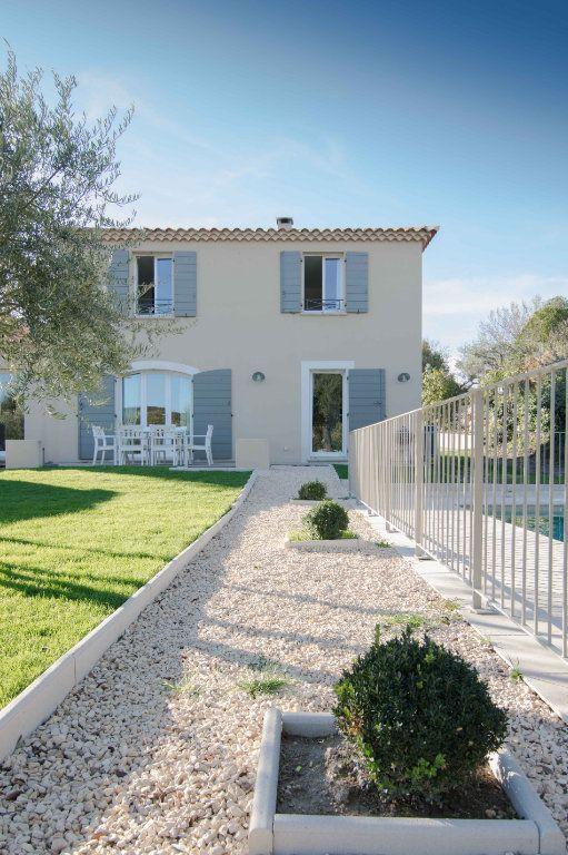 Maison à vendre 5 132m2 à Saint-Hilaire-d'Ozilhan vignette-7