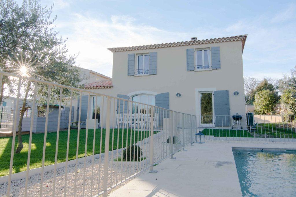 Maison à vendre 5 132m2 à Saint-Hilaire-d'Ozilhan vignette-8